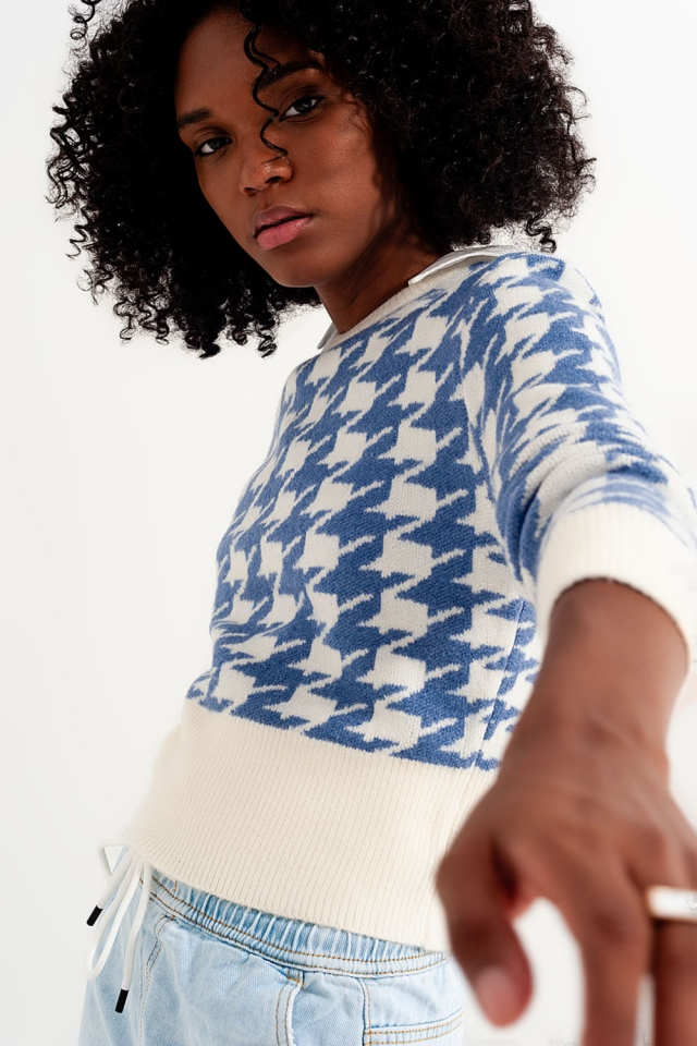 Knitted sweater with houndstooth pattern and long sleeves blue