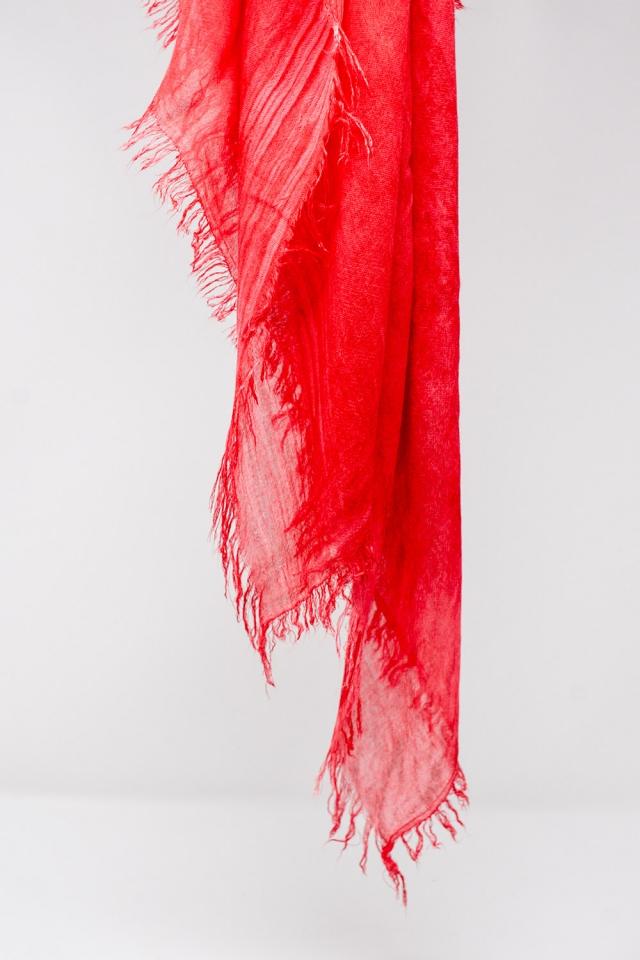 Lightweight scarf in red