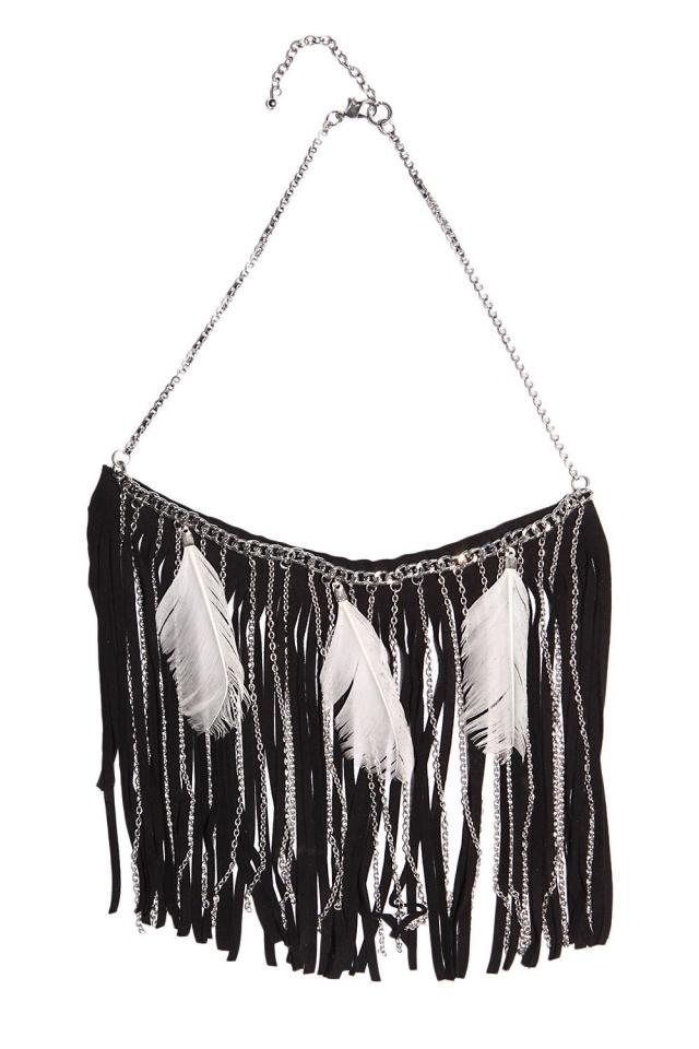 Necklace with hoop pendants