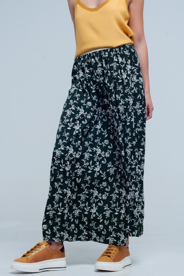 Long green skirt with floral pattern