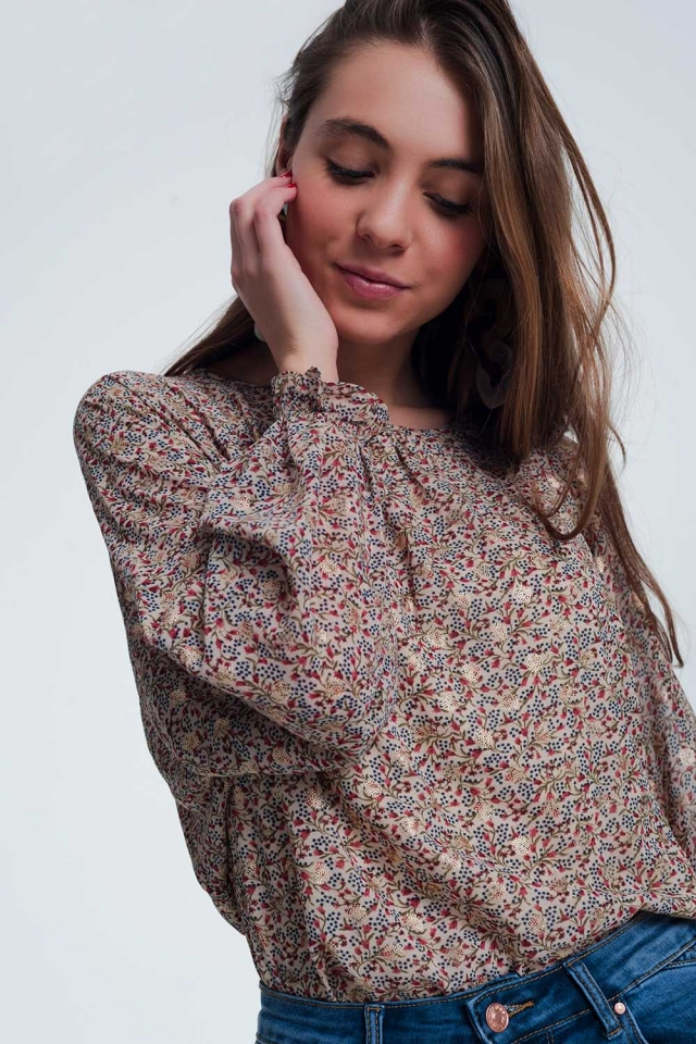 blouse in beige with flower print